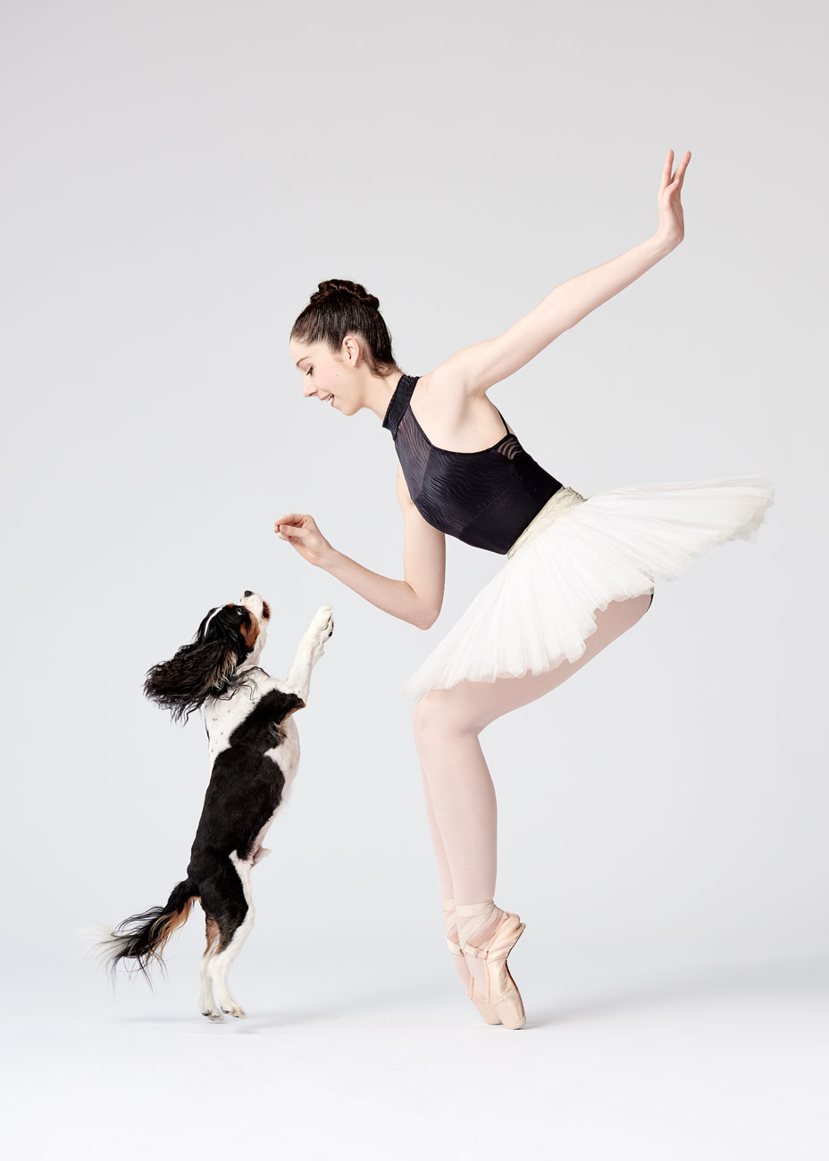 Dancers_and_Dogs_06