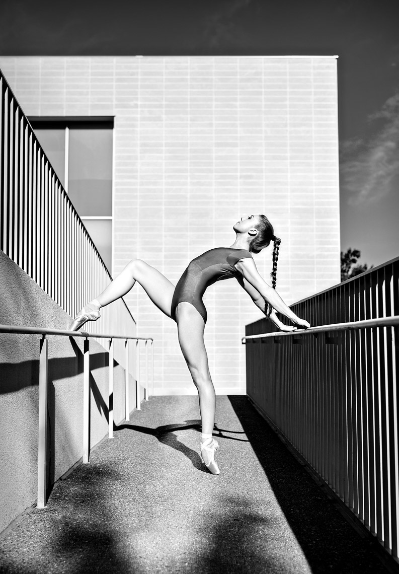 Black and white portrait of Ballerina in St. Louis.